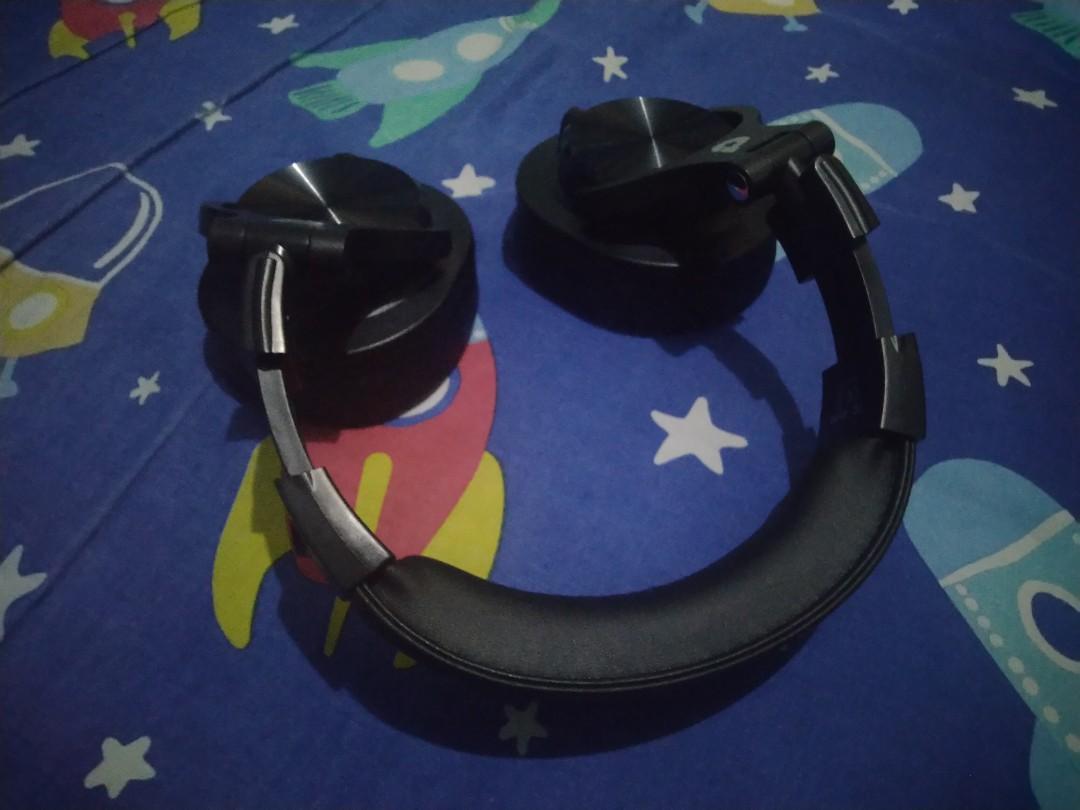 dbE DJ 200 Headphone High Quality DJ headset with Mic n Double-connector,  Elektronik, Audio di Carousell