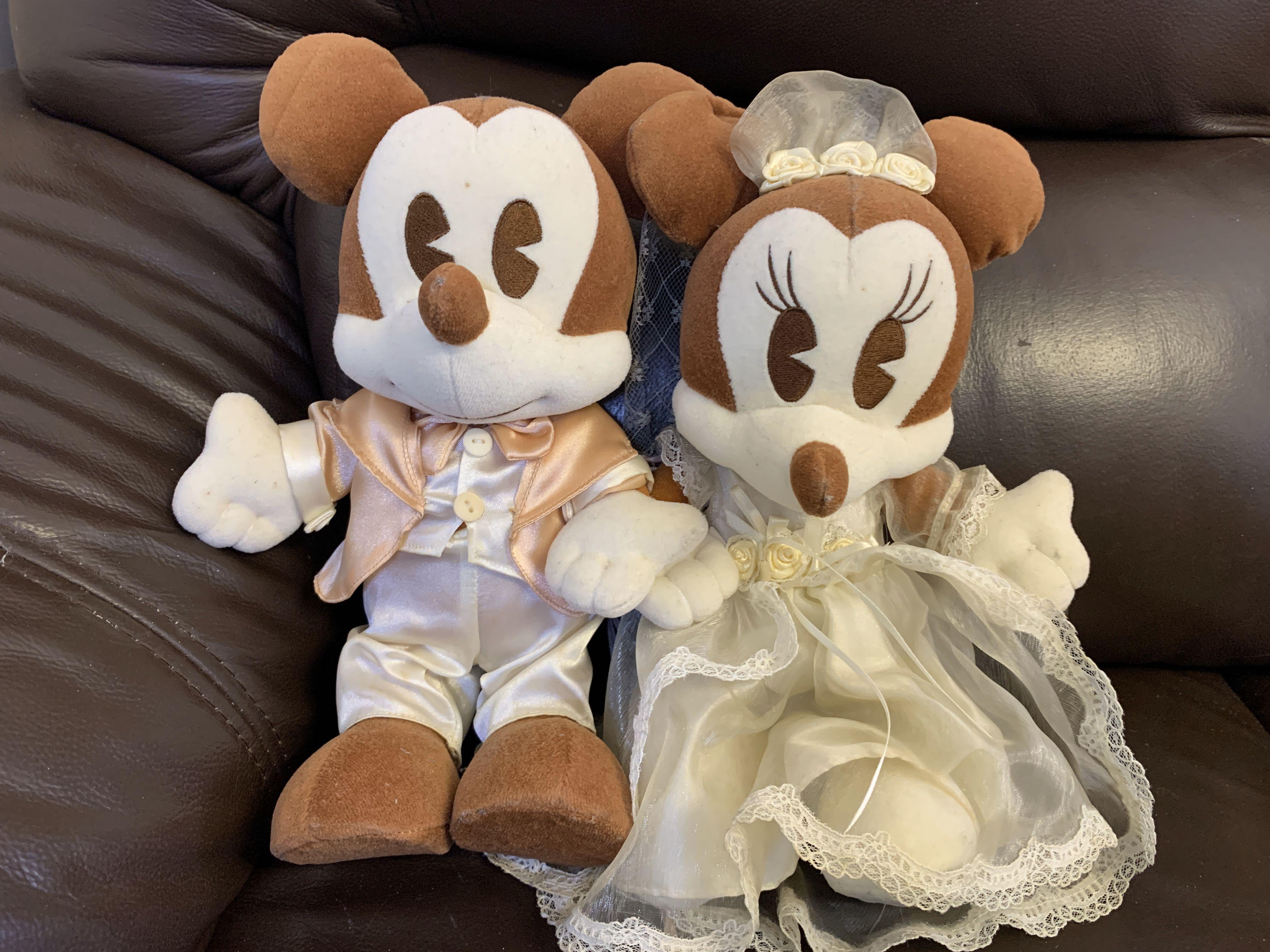米奇及米妮結婚公仔, disneyland, 其實係一樣高, 其他 - Carousell