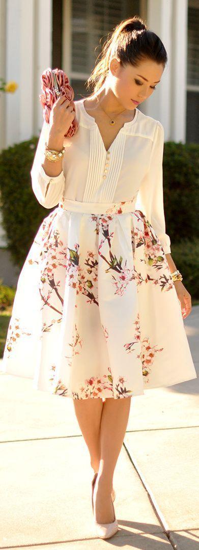 Dessa kläder skulle jag beskriva som romantiska och feminina plagg.