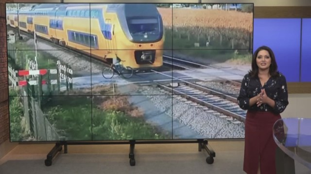 Close Call Caught On Camera In The Netherlands Shows Cyclist Narrowly Avoiding Oncoming Train Khou Com