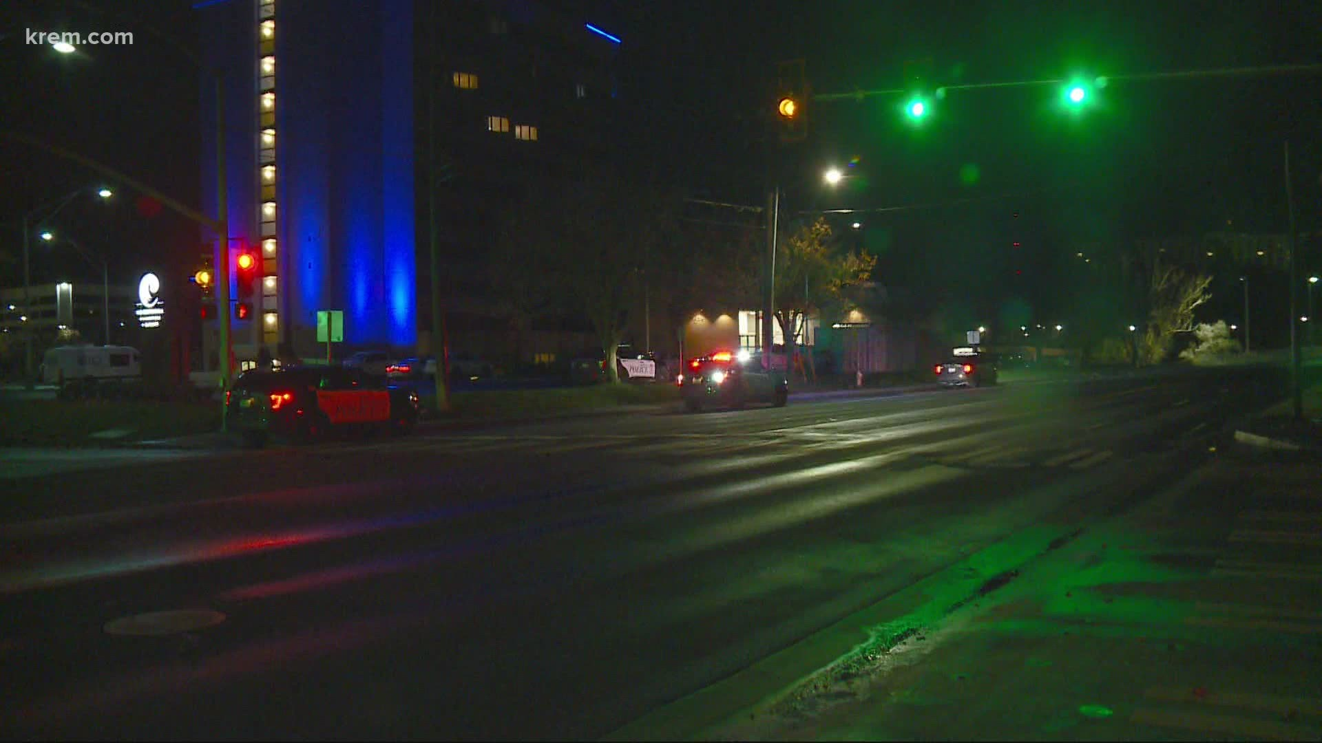 suspect wanted after 2 people injured in shooting at spokane s centennial hotel