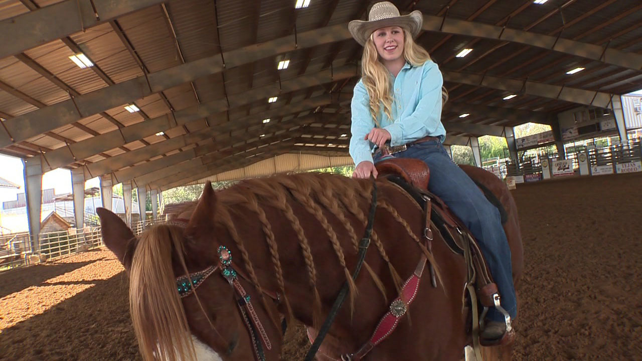 Girl 16 Making Name For Herself In Rodeo World Locally