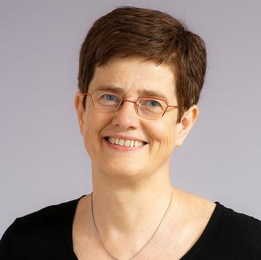 Redaktör och skribent för nyhetsbrevet Kvalitet & Förnyelse är Lena Hörngren, tidigare chefredaktör för Dagens Samhälle.