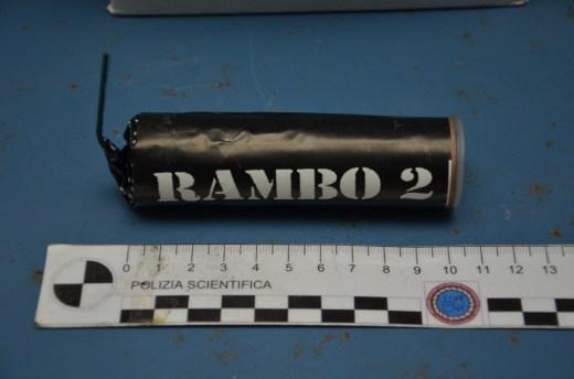polizia ps 113 fuochi artificio botti rambo2