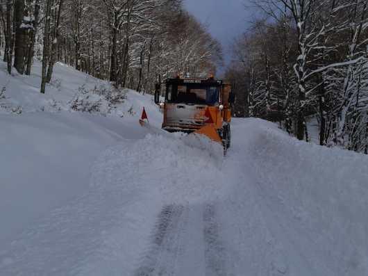 neve strada spazzaneve