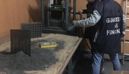 guardia di finanza gdf caserta fiamme gialle 117 fuochi artificio botti (3)