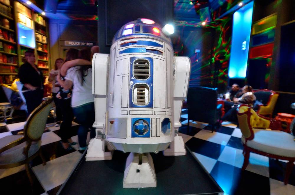 Millennium Fandom Bar Gives Geeks And Cosplayers A New Clubhouse Las Vegas Weekly