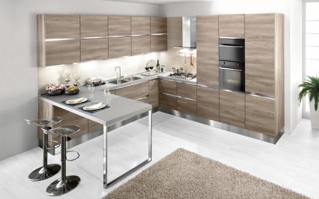 Colonna frigo con mobile per l'incasso, piano cottura con base e forno con. Cucine Moderne