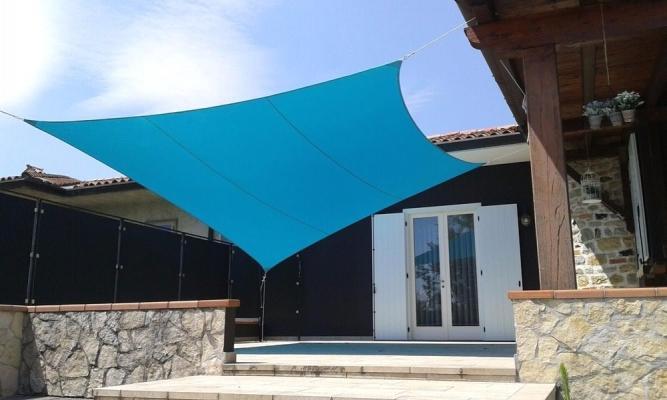 Acquistare una tenda a vela ombreggiante per il vostro ambiente esterno oppure terrazzo non è proprio semplice. Vele Ombreggianti Per Il Giardino