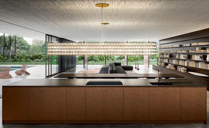 Vi mostriamo questa bellissima cucina con isola centrale posta nell' ambiente open space con un bellissimo soggiorno abbinato perfettamente. Cucina Classica In Cucina A Vista Idee Per Il Restyling