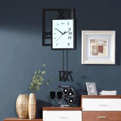 Orologio da parete a pendolo (radiocontrollo), moderno con vetro minerale e metallo, colore: Orologi A Pendolo E A Cucu Di Design