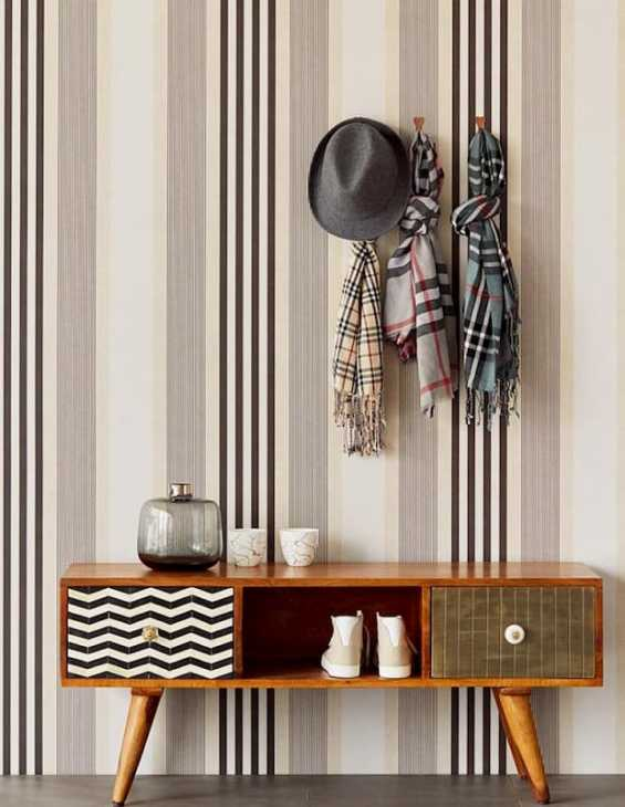 Ti garantiamo il giusto acquisto, ci lavoriamo tutti i giorni. Striped Wallpaper