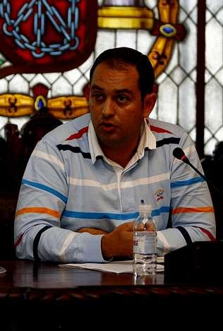 Veiga afirma que los poligonos no afectarán a ninguna casa