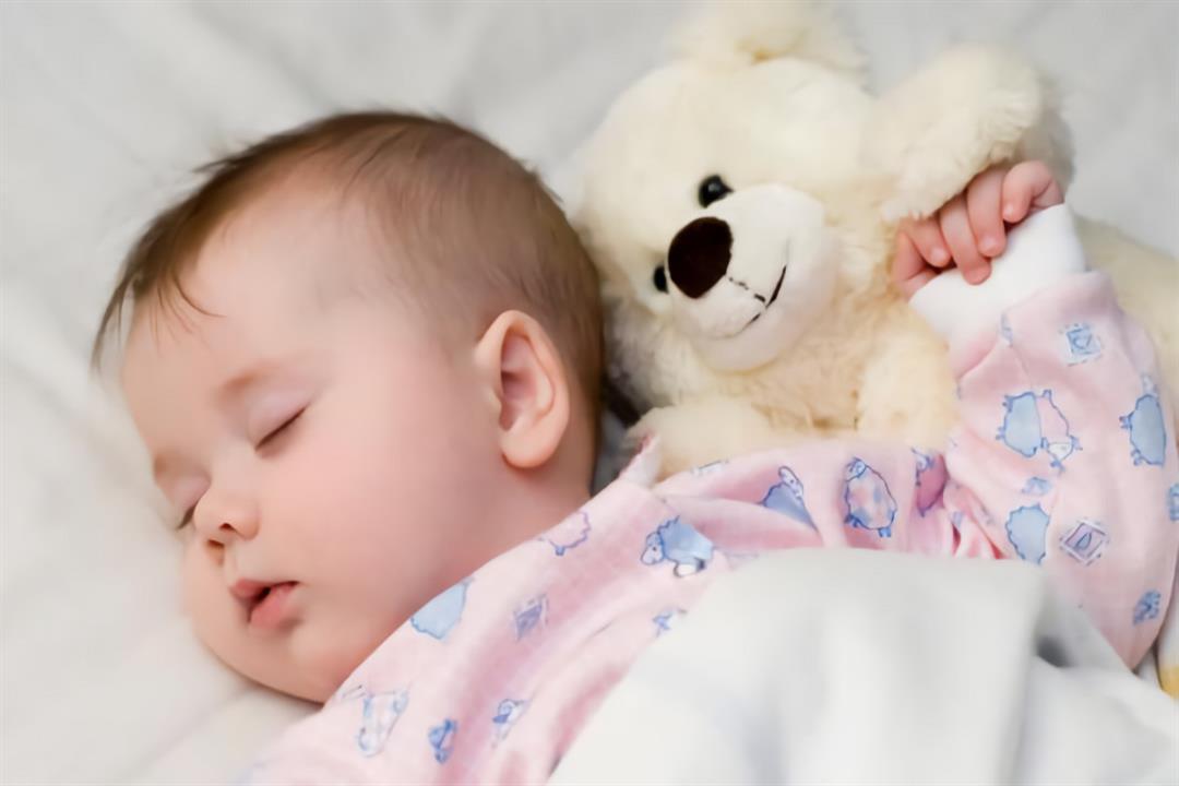 زيادة ساعات نوم الرضيع قد تشير لمخاطر صحية الكونسلتو