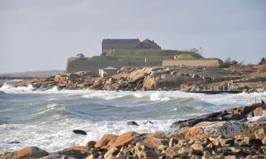 stormvågor varbergs fästning