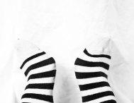 randiga fötter