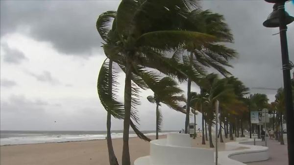 Windy weather slows down activity at South Florida beaches