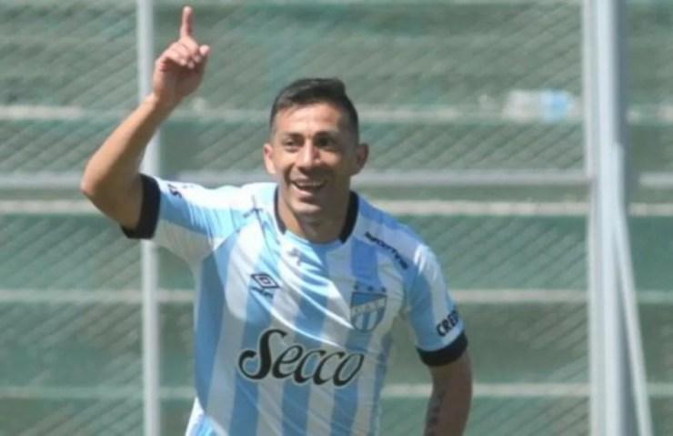 Guillermo Acosta volverá a ser titular en el equipo de Omar De Felippe.