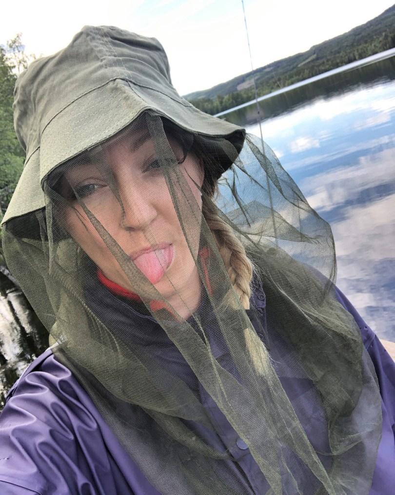 Tone Brustad på tur: - Finn frem F*@n i deg og slipp det du har å tenke på, ta med fiskestanga eller en termos og bare dra til en elv eller nærmeste vann. Foto: Privat