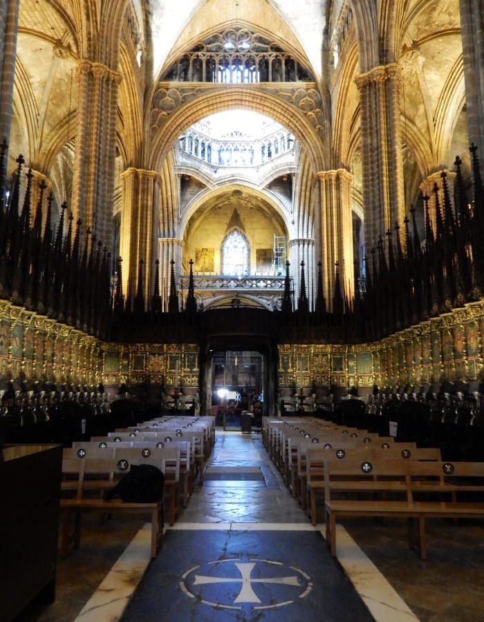 altargången i barcelonas katedral