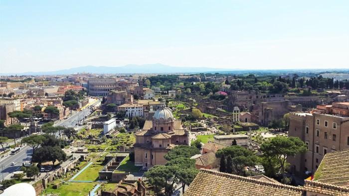 utsikt över forum romanum fårn vittorio emanueles palats