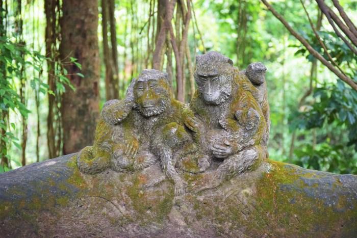 apstatyer av sten