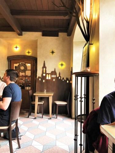 restaurang U Kříže inredning