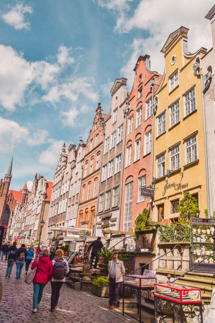 huvudgatan och stenhusen i gdansk