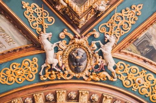 enhörningar i takmålning på gdansk museum