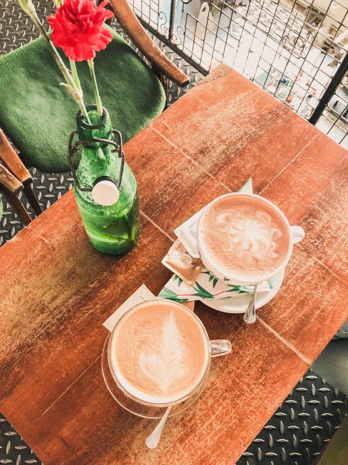 capuccino på cafe josef k