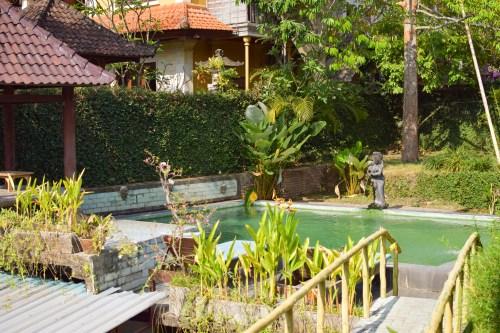 pool sayong house