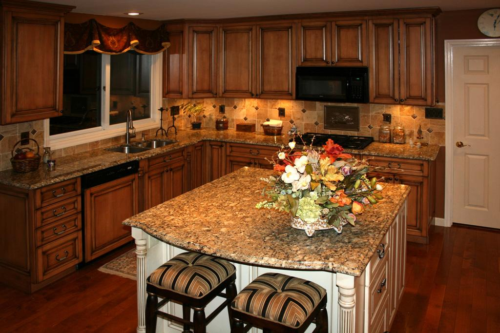 1000+ images about Kitchen Designs on Pinterest   Kitchen ... on Maple Cabinet Kitchen Ideas  id=18395