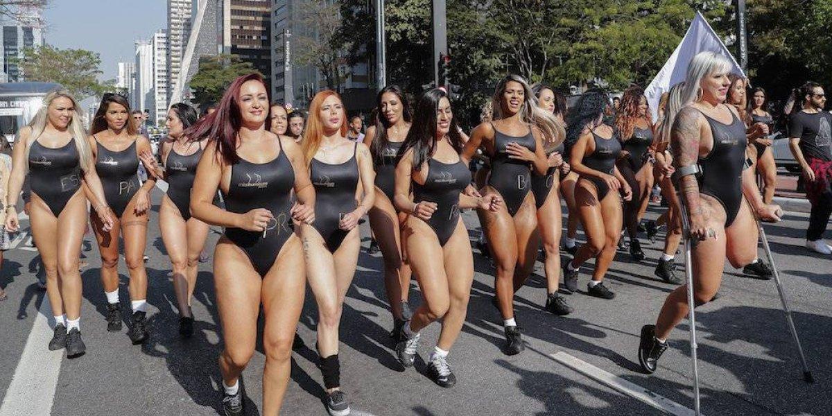 Candidatas a Miss Bumbum 2017 pasean por las calles de Sao Paulo
