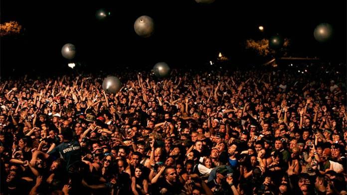 Tinder agrega una nueva función para poder ser utilizada en festivales de música