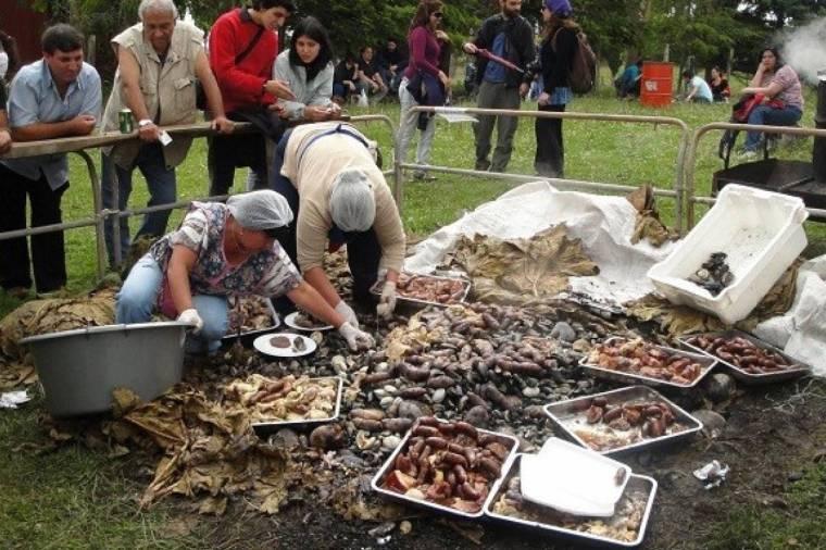 Chiloé: Tierra de curantos y tradiciones gastronómicas - Sabrosía ...