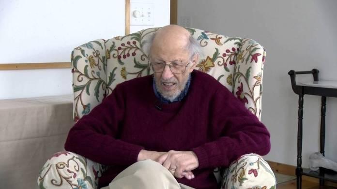 Muere el inventor de la contraseñas de computadora a los 93 años
