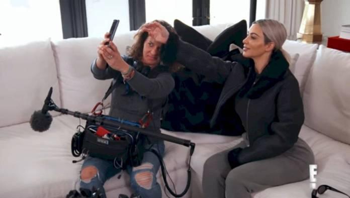 Kim Kardashian reveals her incredible creativity to take selfies with a wizard