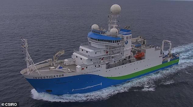 El Investigator, el barco que captó la caída del meteorito.