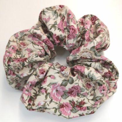 Scrunchie beige med rosa blommor bomull