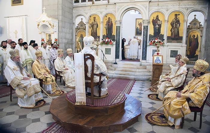 jun-2019-arhijerejska-liturgija-u-niksicu-10