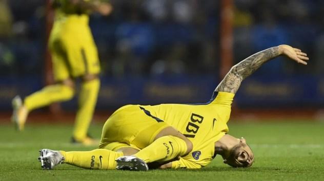 Darío Benedetto lesionado ante Racing