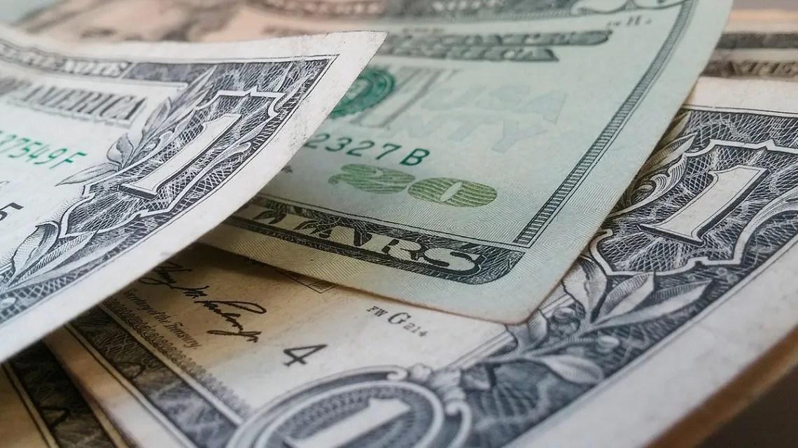 El dólar subió por primera vez en 2019 y se aleja del piso impuesto por el FMI