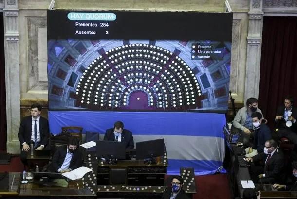 Sergio Massa estuvo en la presidencia durante la primera de las sesiones virtuales de Diputados