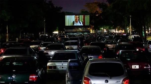 Vuelve el cine al AMBA: abren un autocine en San Isidro (Foto ilustrativa)