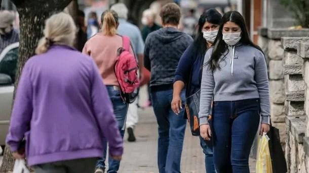 Otras 421 personas murieron y 17.096 fueron reportadas con coronavirus en las últimas 24 horas en la Argentina
