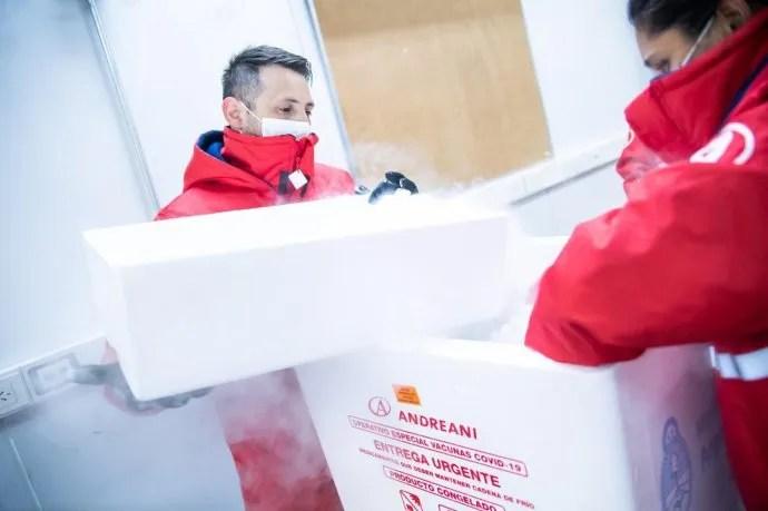 Comienza la distribución de más de 2 millones de vacunas de AstraZeneca en todo el país