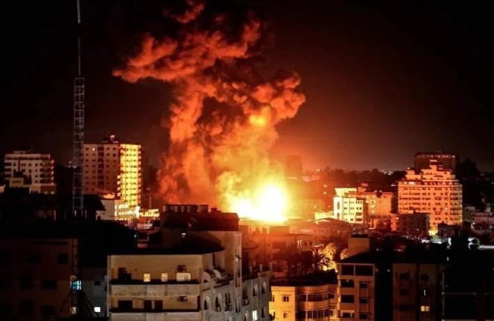 Franja de Gaza: impactantes imágenes de ataque de Israel durante la madrugada de este lunes
