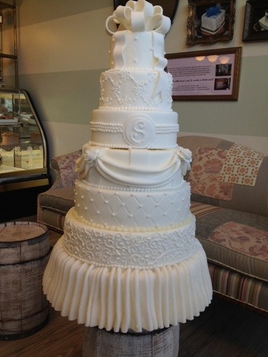 Fall Bridal Show  From fake cakes to elegant ruffles  Holland bakery     Courtesy PhotoA faux cake from Second Floor Bakery that will be on display  at the Fall Bridal Show of West Michigan  Faux cakes are popular with  brides who