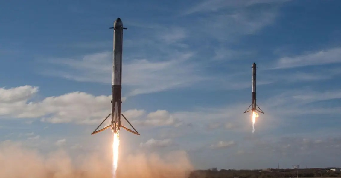 Two SpaceX rockets land representative of landing pages