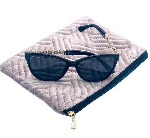 Presentpåse - sminkväska, solglasögon (gåva på köpet värde 100 kr)